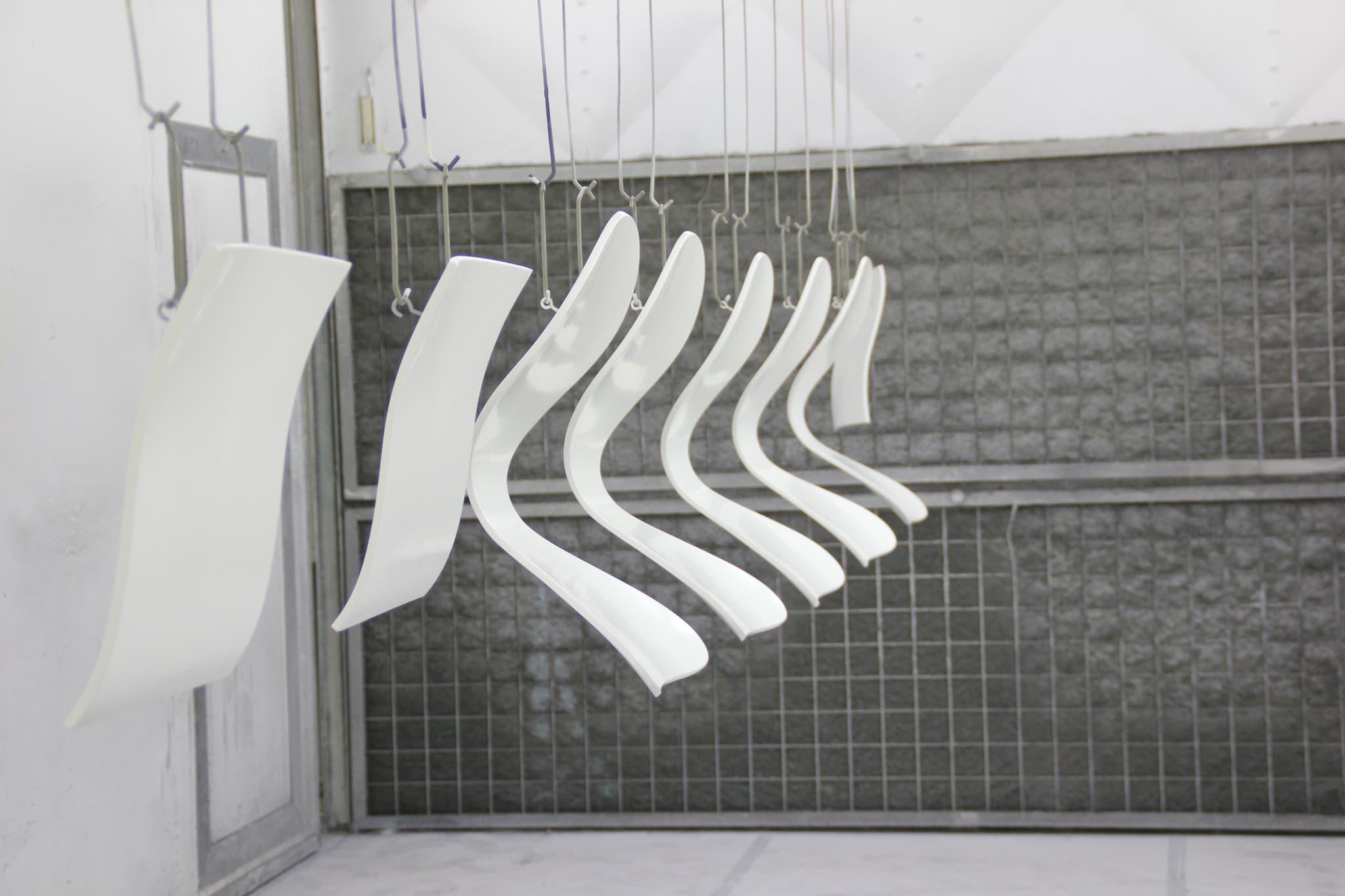 spuitwerk stoelen door Bart Dijkhof