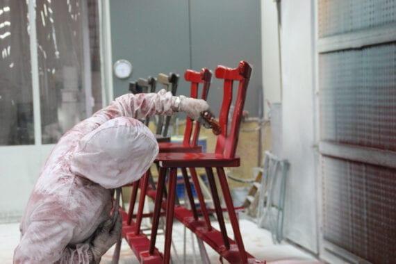 meubels gespoten door Bart Dijkhof
